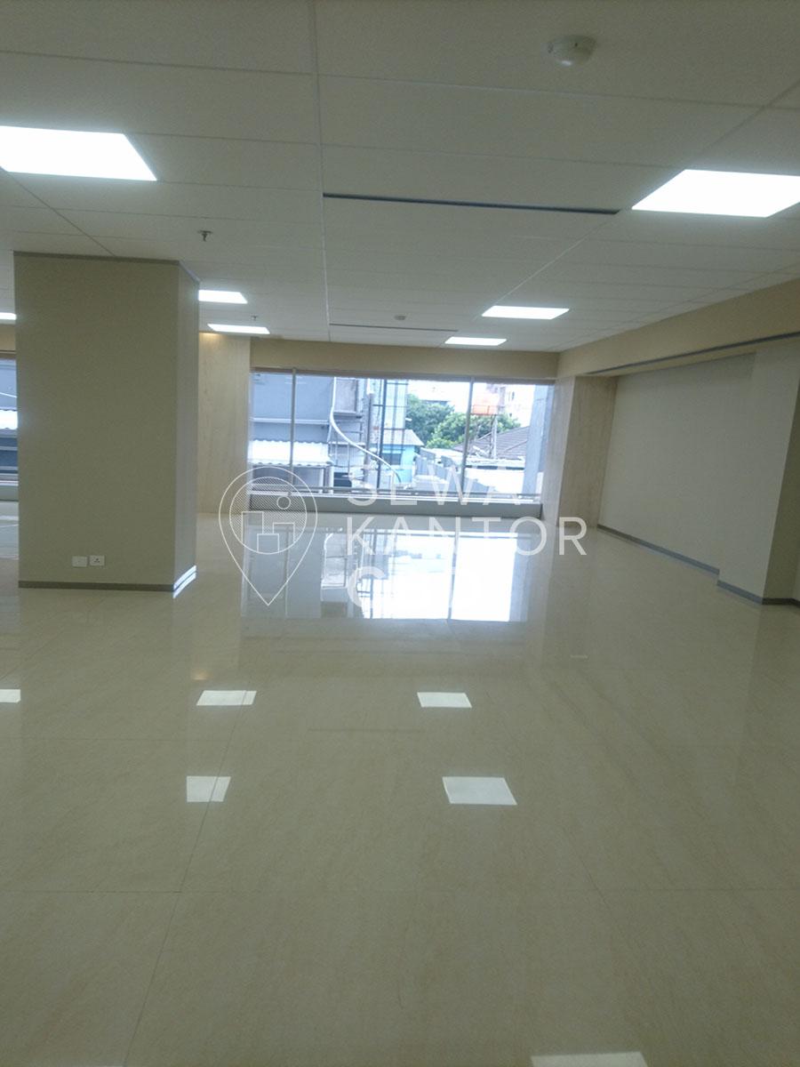 Sewa Kantor Gedung KMO Building Jakarta Selatan Kebayoran Baru  Jakarta Interior 1