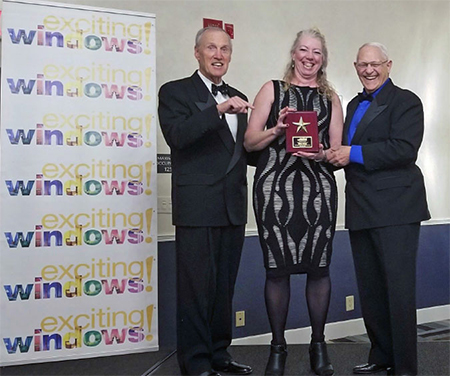 Wilma Kulyk Receiving 2018 International Business Owner of the Year Winner Award
