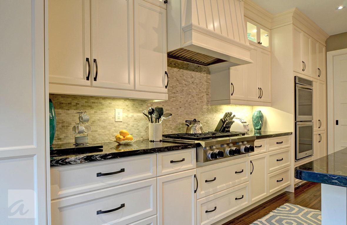 Custom Kitchens Toronto