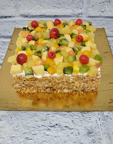 Seasonal-Fruit-Gateaux