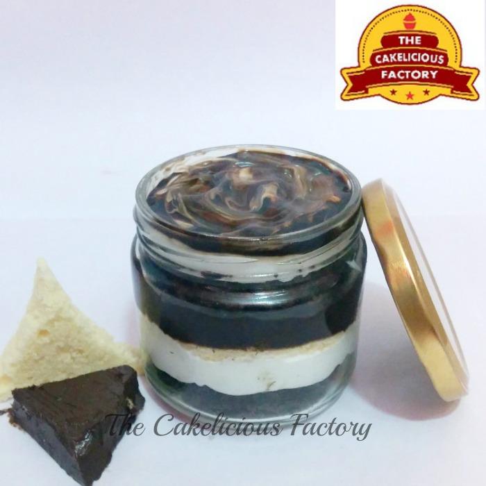 Marble Desire Cake Jar