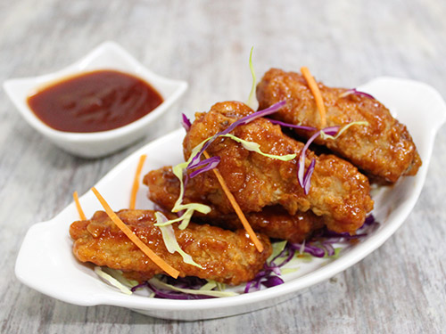 Fried Chicken Wings With Honey Chilli Barbecue Sauce