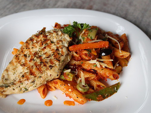 Grilled Chicken & Penne all'Arrabbiata with Veggies