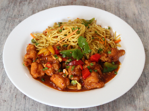 Kung Pao Chicken with Hakka Noodles