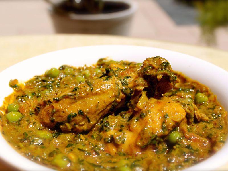 Bhaji Vatana Ma Chicken