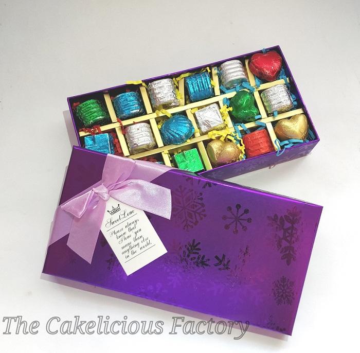 Elegant Gift Box of 18 Assorted Chocolates