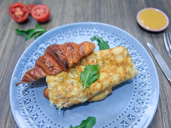 Masala Omelette Croissant