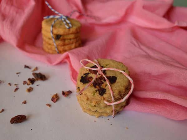 Rose and Fennel Cookies
