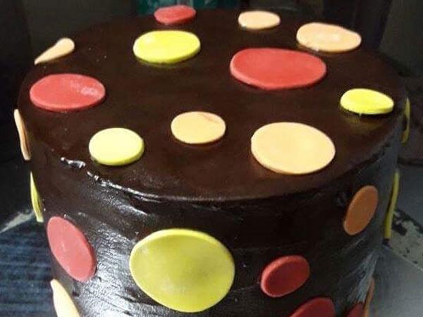 Polka Dot Cake [1.5 Kg]