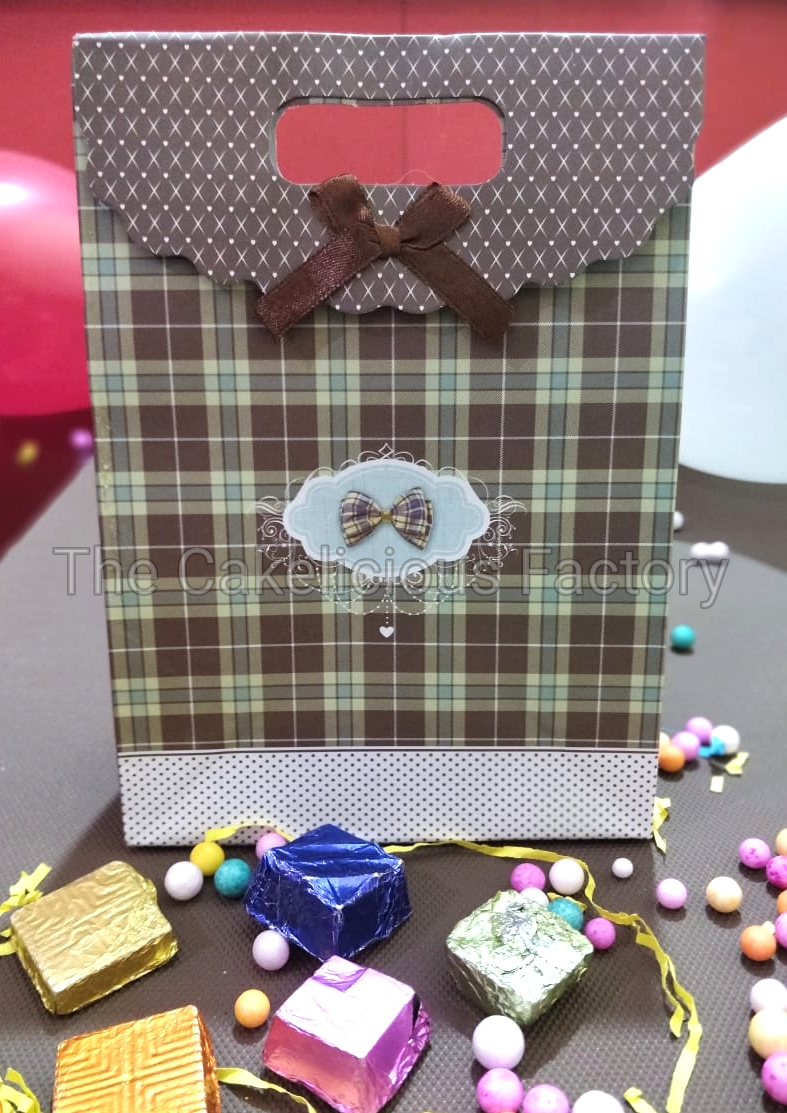 Assorted Gift Pack of 30 Chocolates - Carry bag Style 1