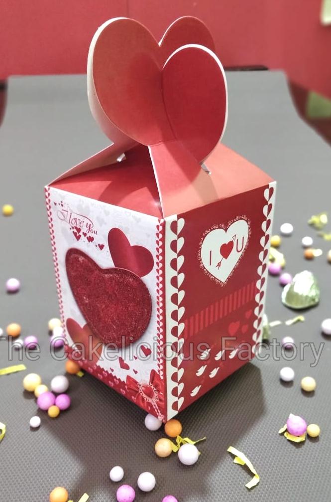 Love Theme Chocolate Gift pack of  Eighteen chocolates CHLT02
