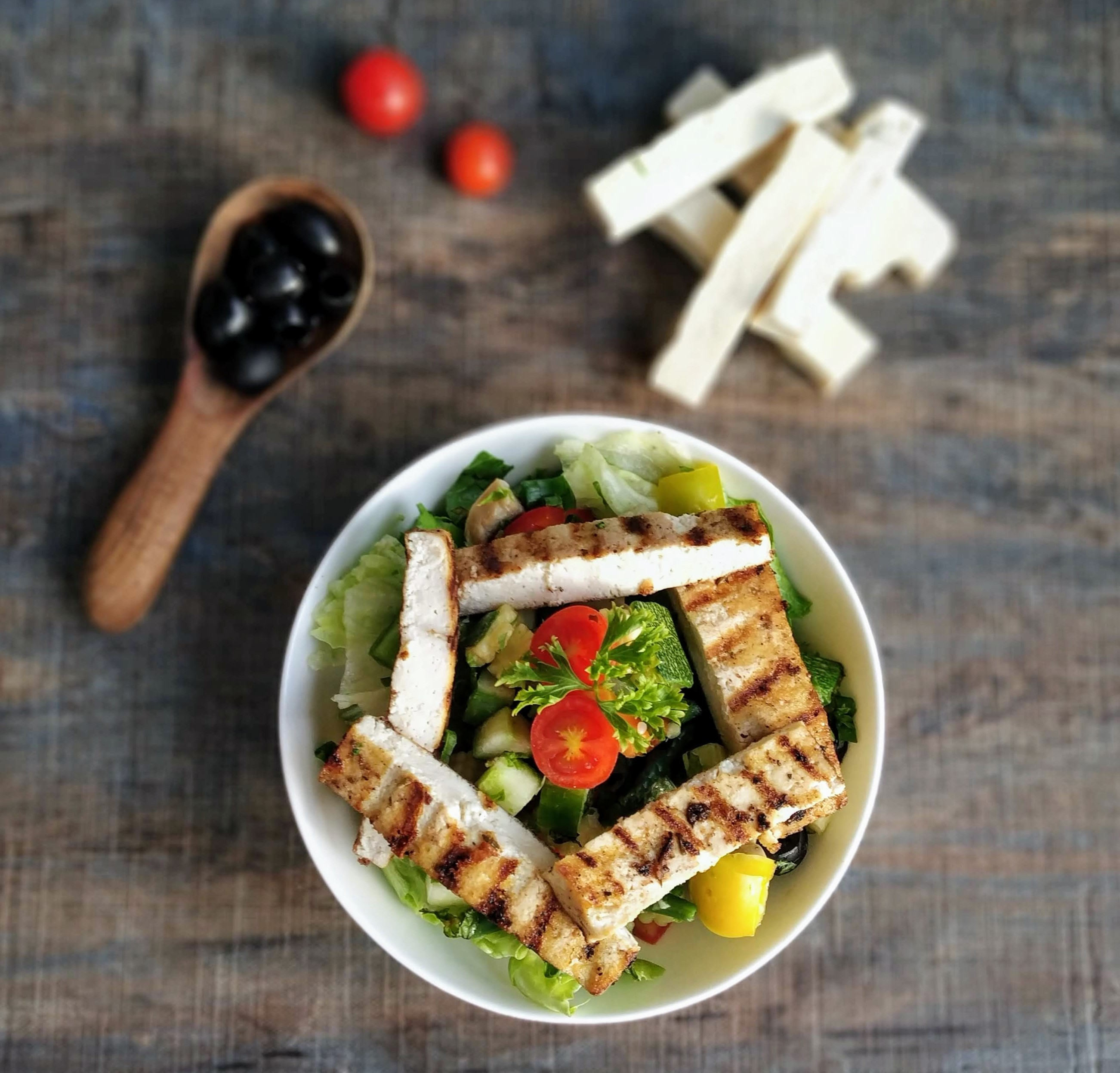 Smokey Garlic Tofu salad