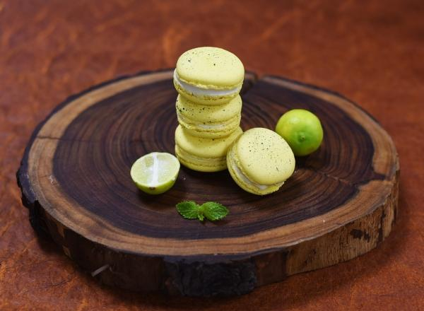 Lime Macaron