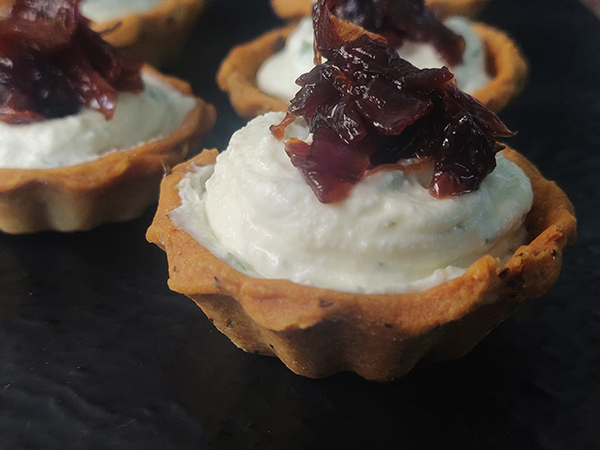 Feta & Caramelized Onion Tarts (Veg 12 Pcs)