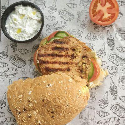 Chicken Sandwich & steamed Veggies