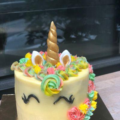 Mini Unicorn Cake [800 Grams]