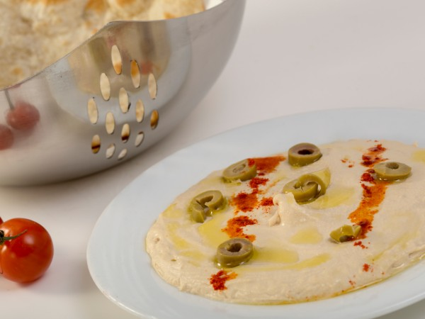 Hummus with Naan