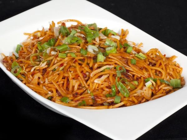 Vegetable Schewzan Hakka Noodles