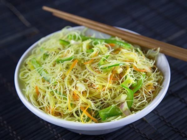 Singapore Noodles - Veg