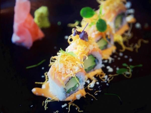 Tanuki Salmon Roll