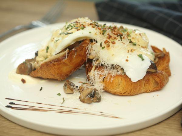 Mushroom Croissant Benedict