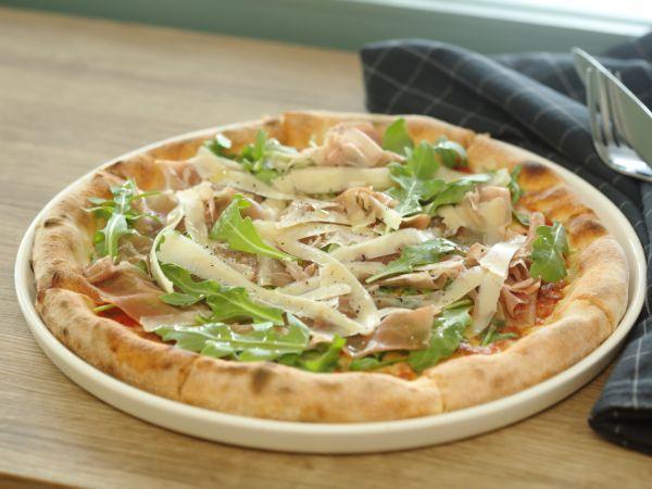 Parma Ham & Arugula Pizza