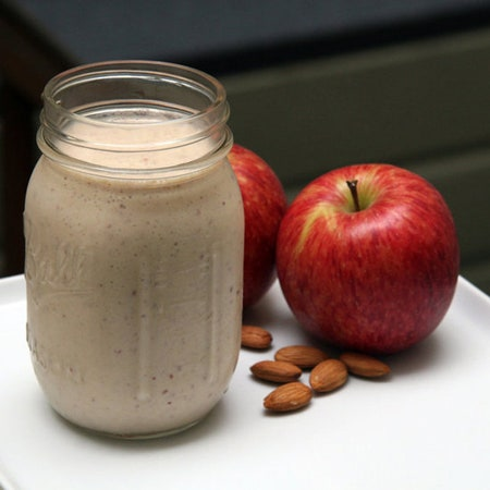 Apple Almond Smoothie + Grilled Chicken Box