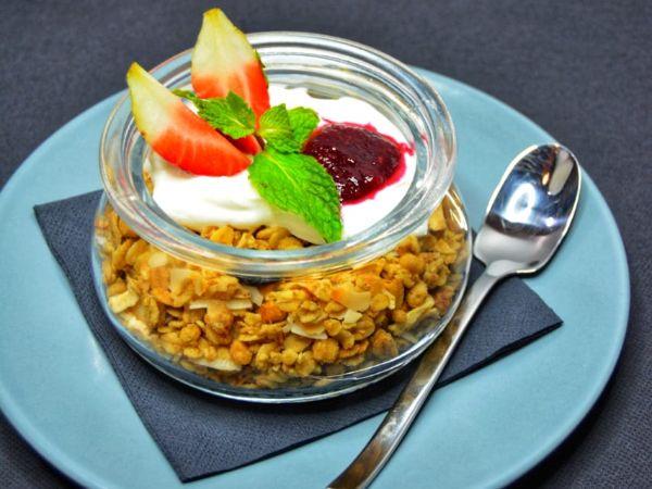 Granola [Yogurt, Cereals, Berries and Berry Jam]