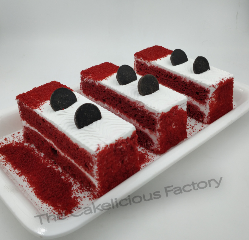 Red Velvet Pastries (Pack of 6 pastries)