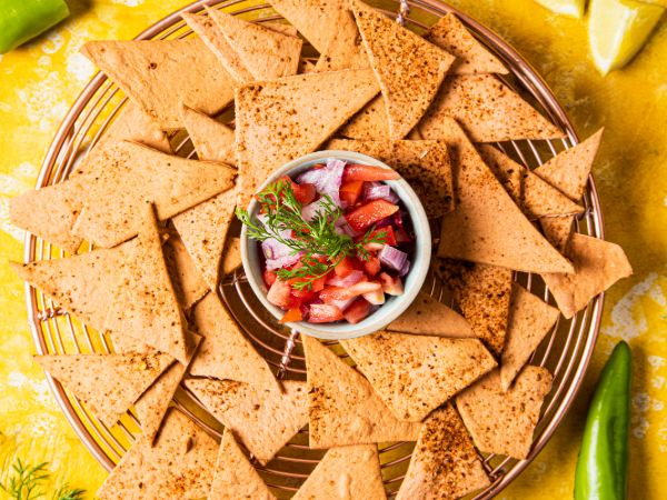 Mexican Chilli Tomato Crackers 100% Wholewheat