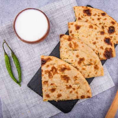Paneer Parantha With Dahi and Pickle