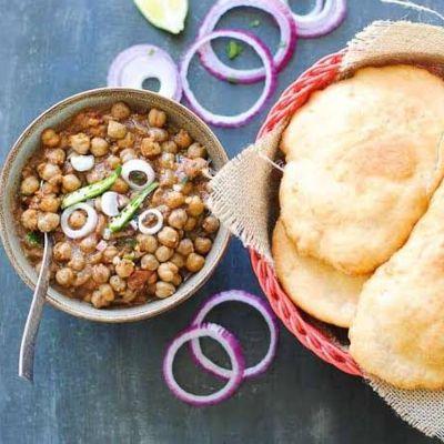 Chole Bhature Plate + 1 Sweet Lassi