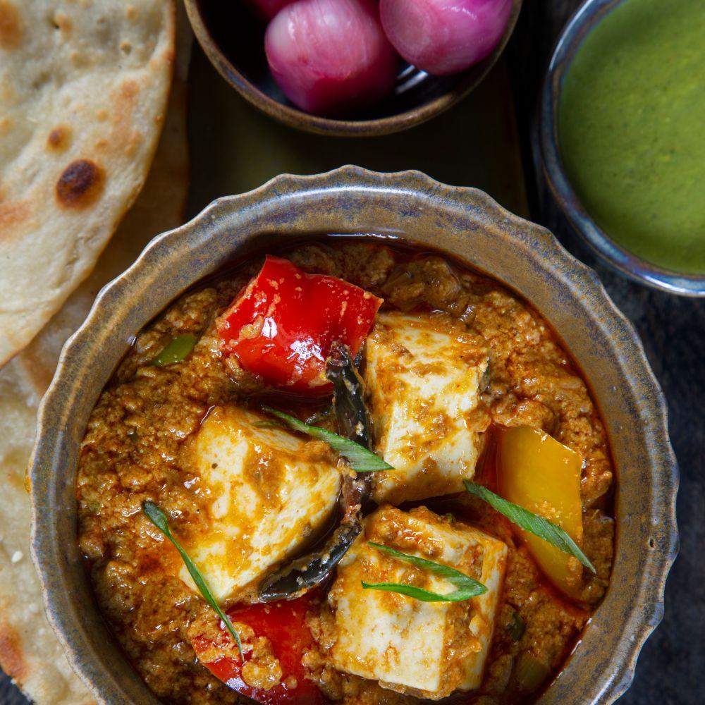 Lahori Masala Paneer + 2 Butter Naan/ 2 Lacha Parantha