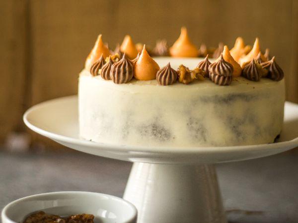 Carrot Cake ( Egg )