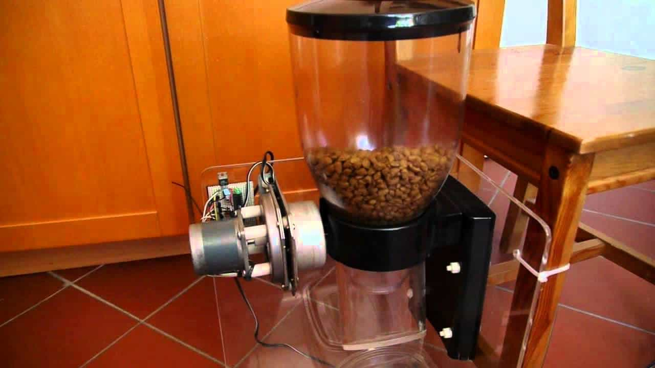 Internet controlled Pet feeding system