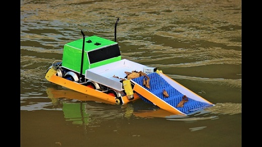 .Water-Cleaning-Boat