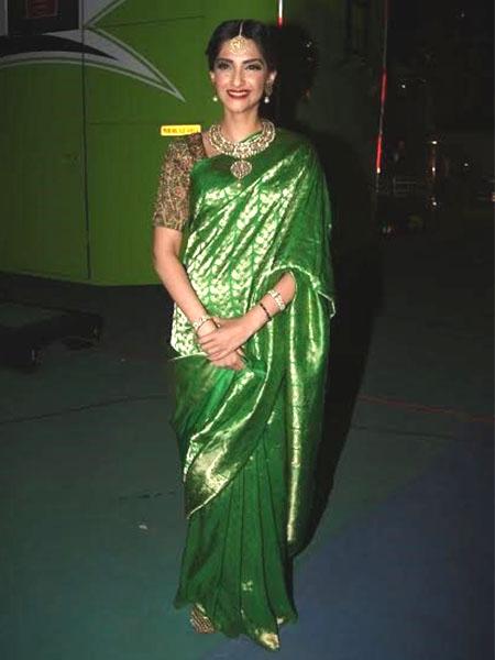 1269beaedb921 Celebrity Ethnic Looks This Week  Aishwarya