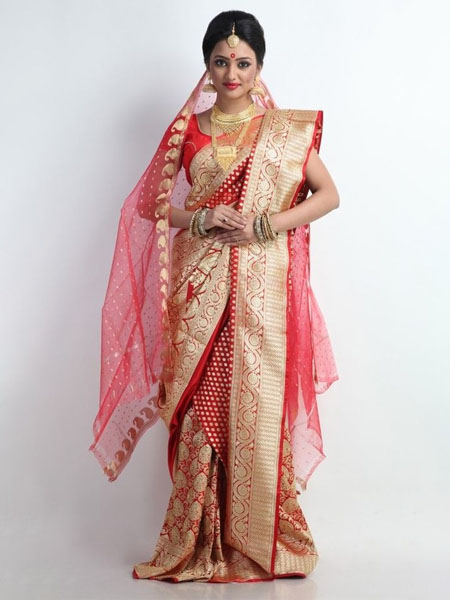 8a61d5cb0c 18 Traditional Saree Draping Styles From Different Parts Of India ...