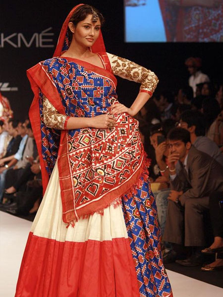 18 Traditional Saree Draping Styles From Different Parts Of India