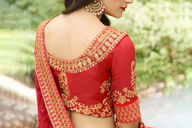 8bfb393f0266e7 7 Saree Blouse Designs For Women With A Small Bust | The Ethnic Soul