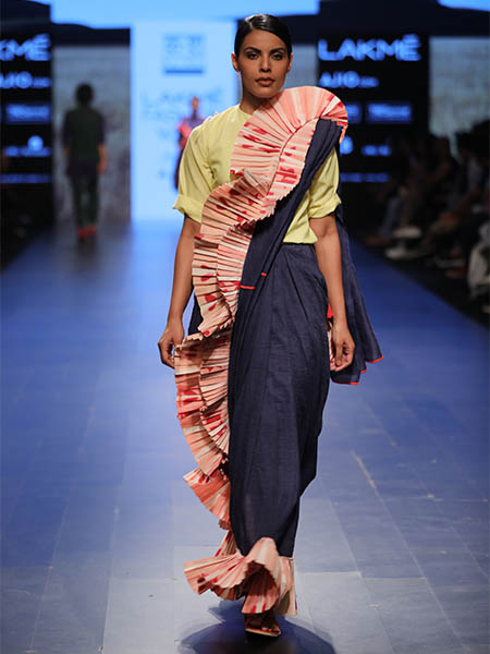7 Saree Trends From Lakme Fashion Week Summer Resort 2017