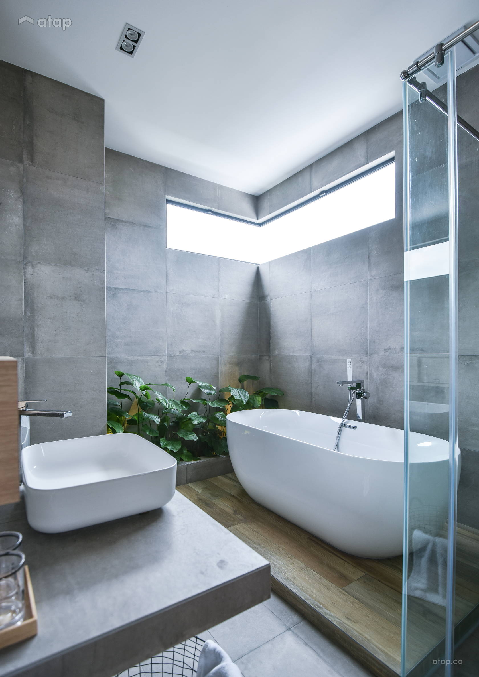 Minimalistic Scandinavian Bathroom @ The brick's house