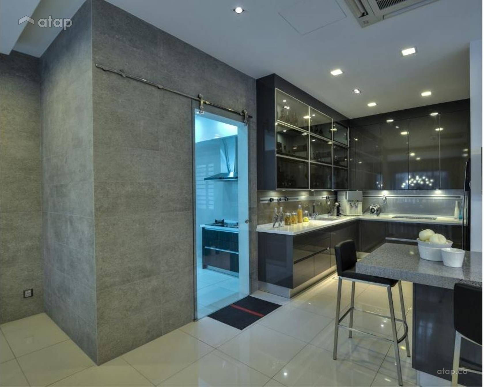 Contemporary Modern Kitchen @ Setia Alam