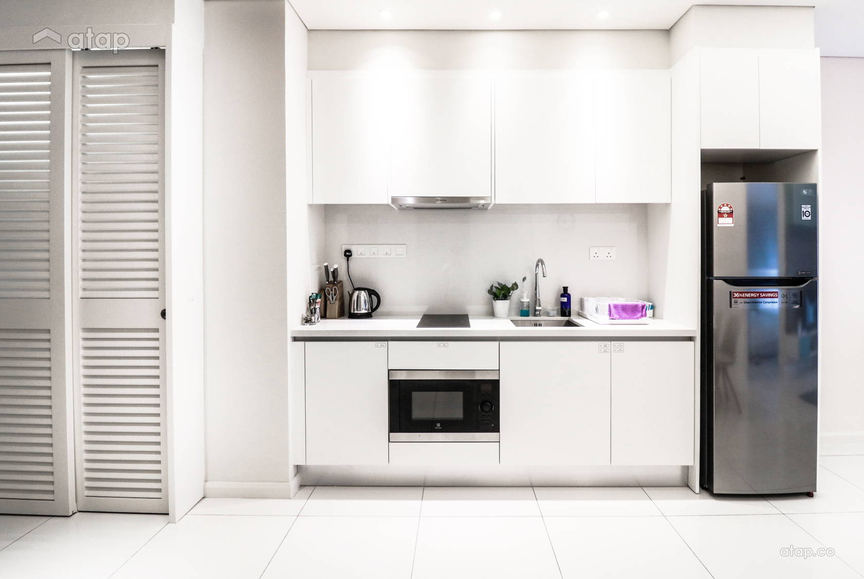 Contemporary Minimalistic Kitchen @ Tribeca Suites @ Bukit Bintang