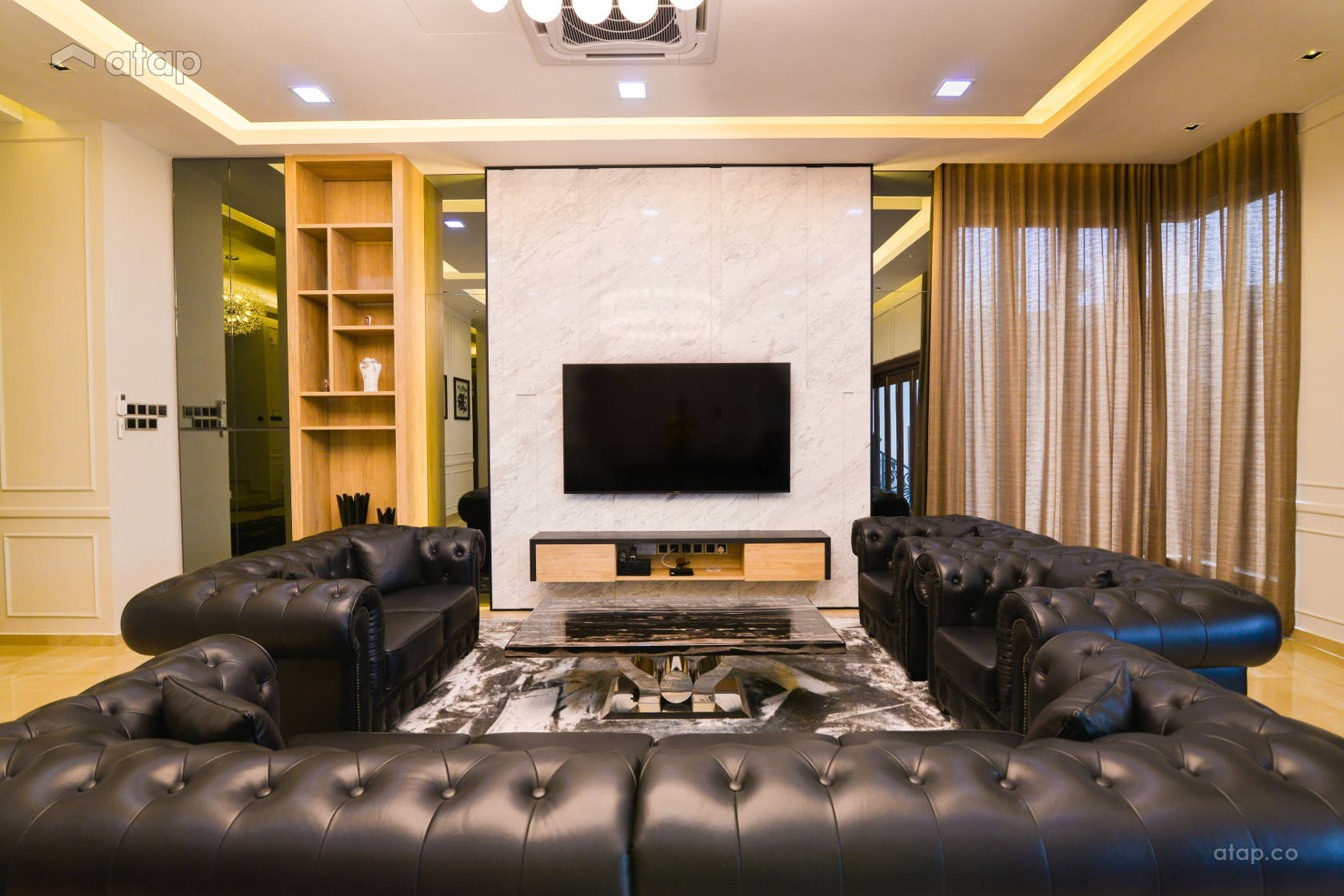 Contemporary Modern Living Room @ Modern Luxury Bungalow at Pekan, Pahang