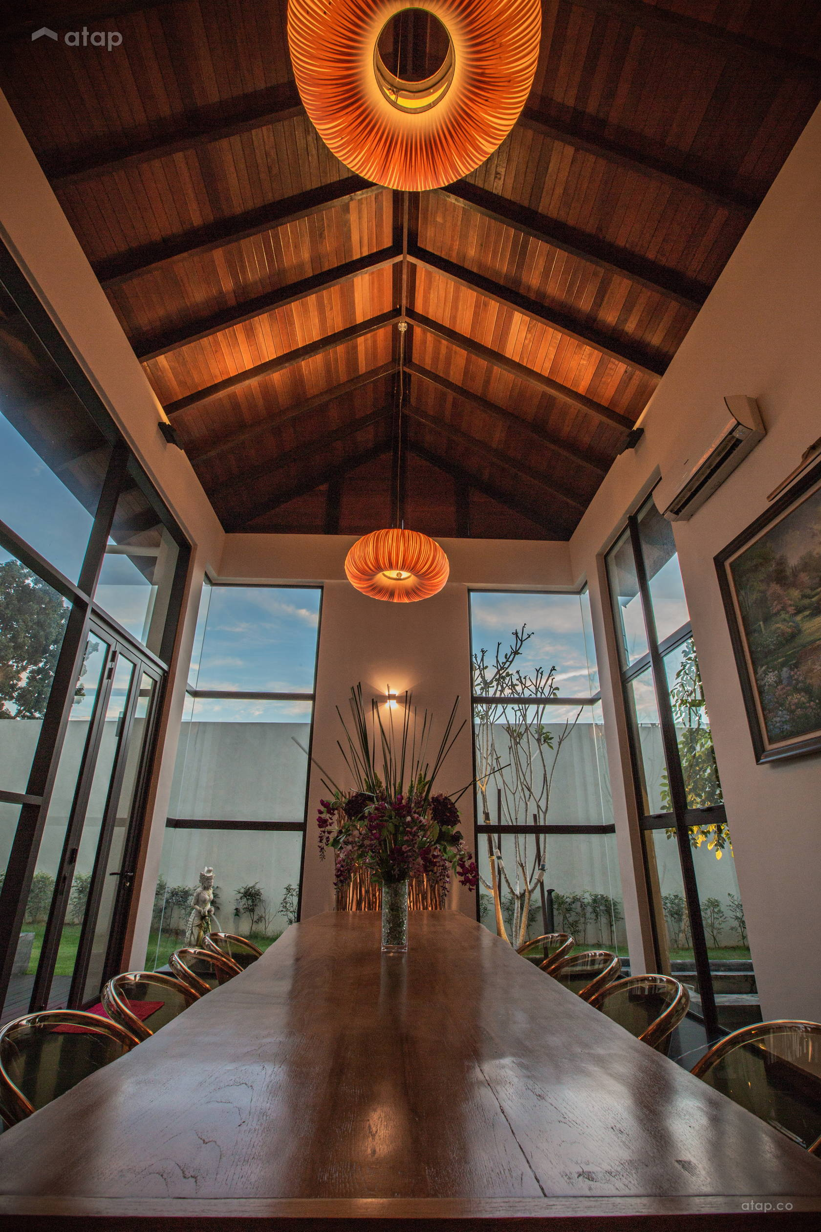 Asian Dining Room @ A modern tropical mansion
