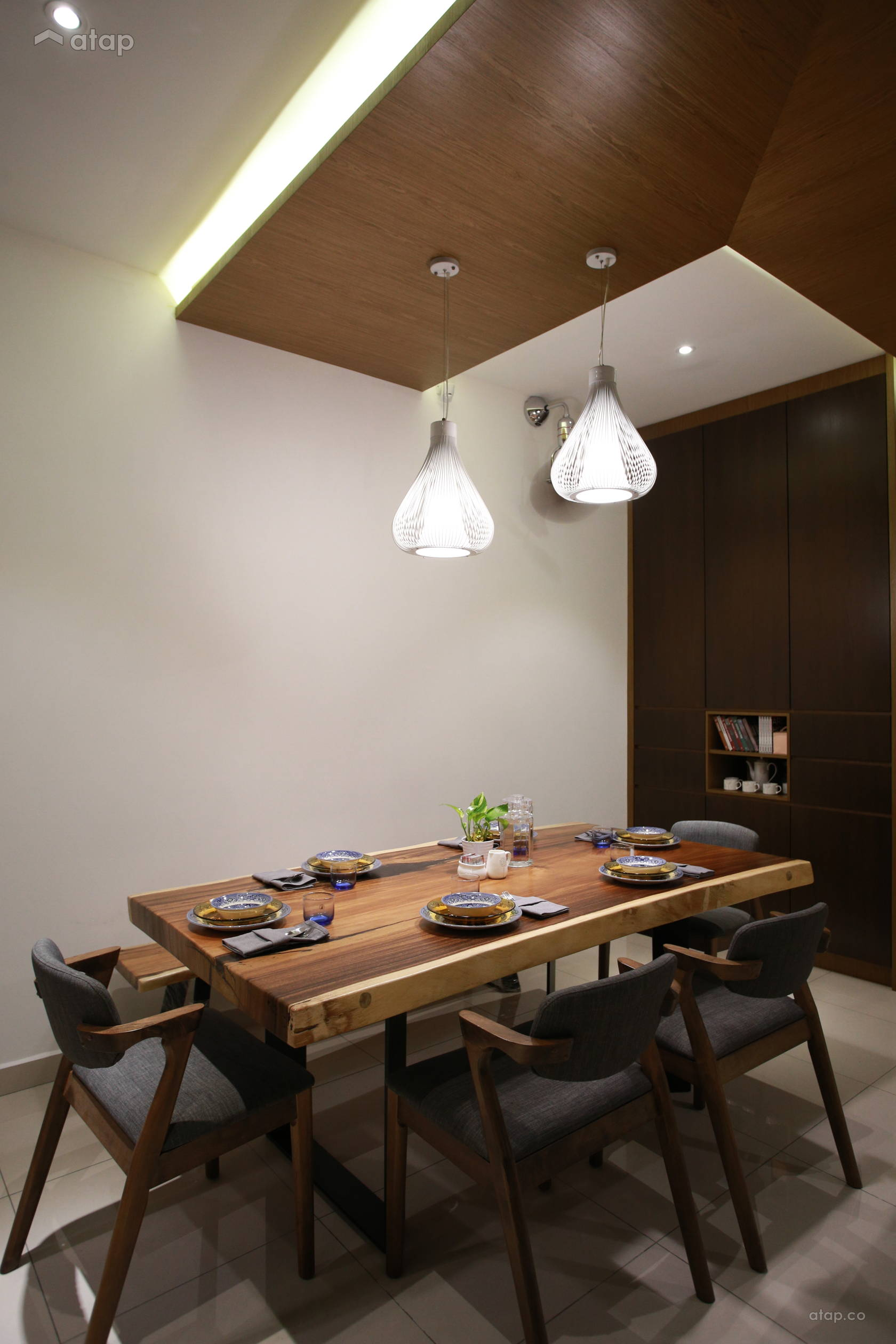 Minimalistic Modern Dining Room @ Terrace House - Kepong Baru