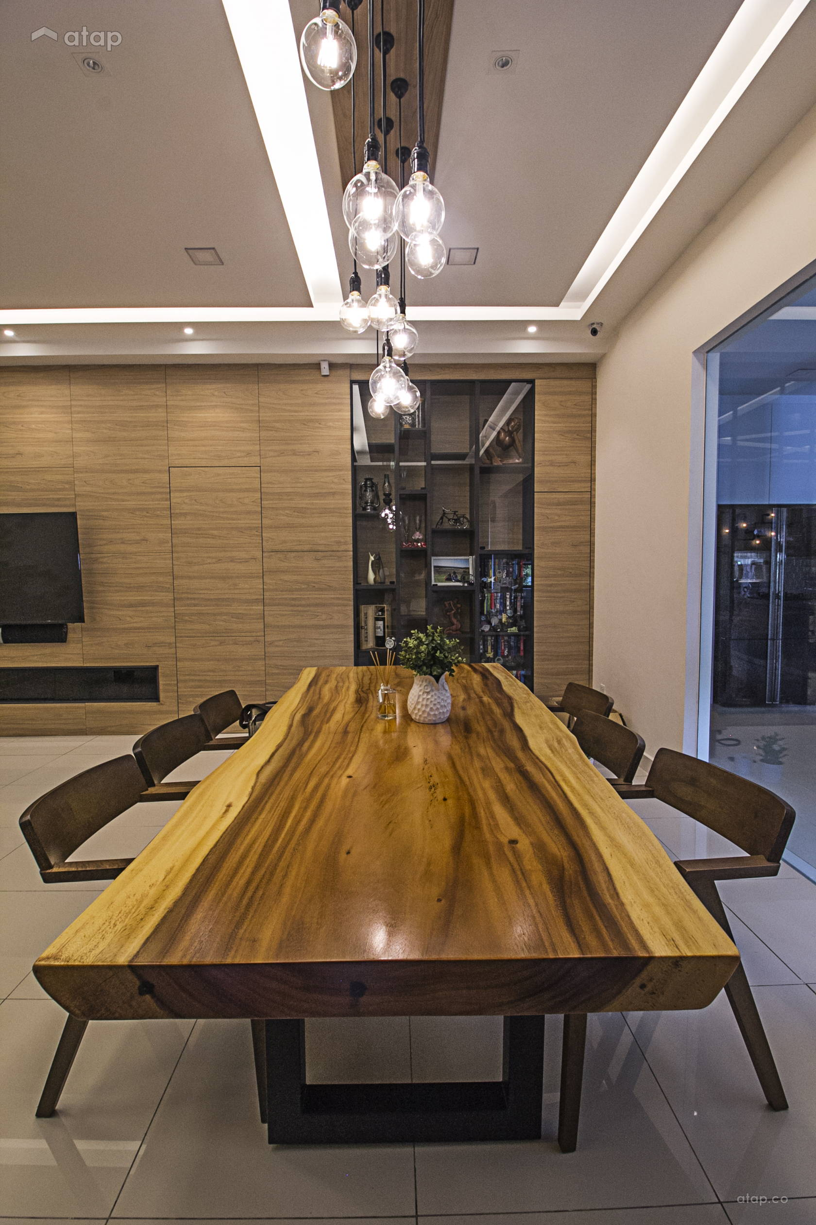 Modern Rustic Dining Room @ Rimbayu Periwinkle