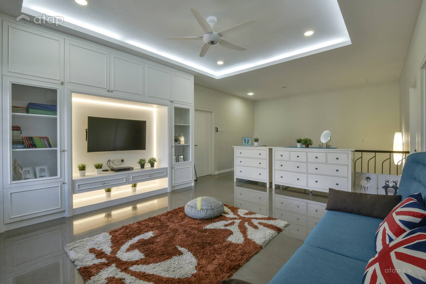 Classic Scandinavian Family Room @ Alam Impian Residence