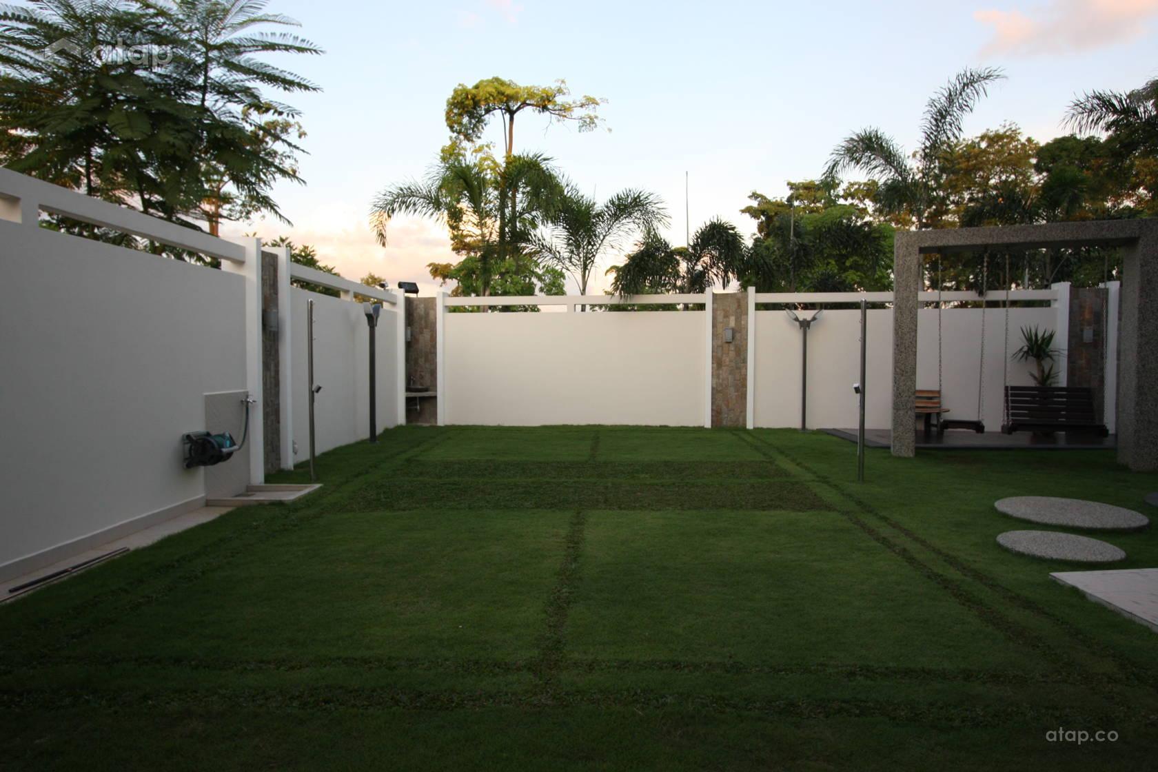 Exterior Garden @ Modern Comfortable